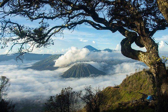 Destinasi Wisata Jawa Timur Paling Hits Populer