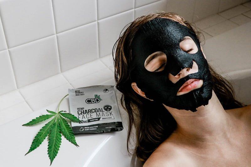 Manfaat Masker Charcoal